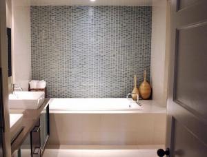 anheira de hidro para banheiro pequeno